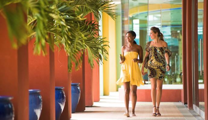 Curacao - Shopping Malls, Shops ans Stores - Duty Free