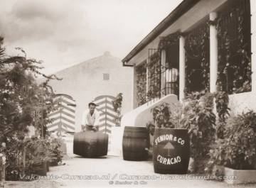 Old photo of the liqueur distillery Senior & Co